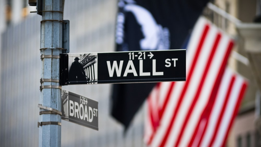 Weekly Touchpoint: Wall Street: Gold Bull Run, Near Zero Rates?